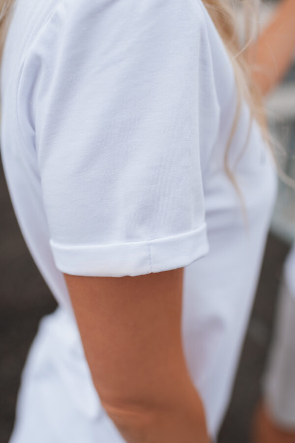 T-krekls sievietēm SATRIECOŠI SKAISTA, balts