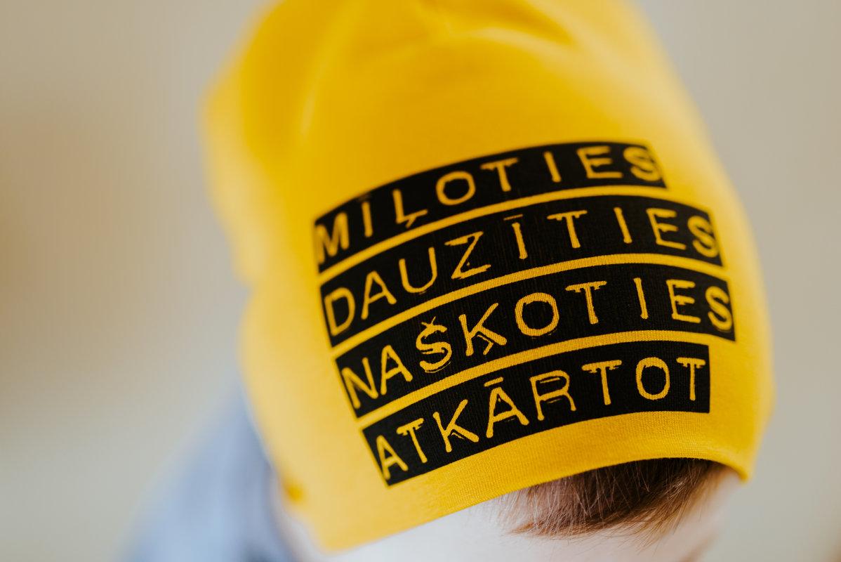 Sinepju MĪĻOTIES DAUZĪTIES NAŠĶOTIES ATKĀRTOT cepure