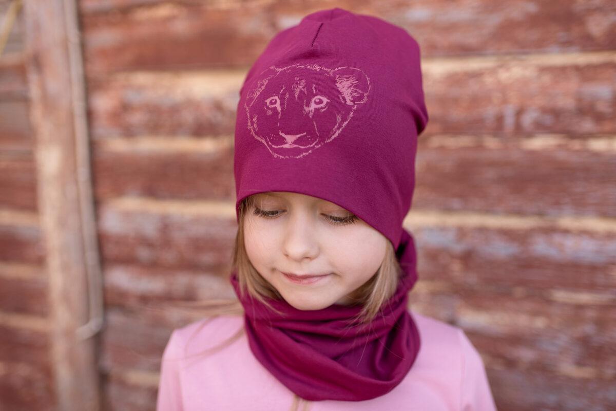 Bērnu cepure ar lauvēna apdruku, fuksijas tonī