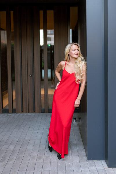 Slip kleita sarkanā krāsā