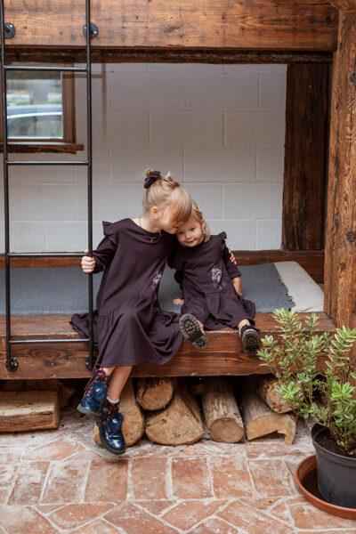 Meiteņu volānkleita ar meža zvēru apdruku, BAKLAŽĀNS
