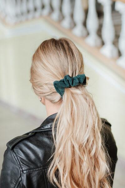 Pieskaņota matu gumija - smaragda velvets