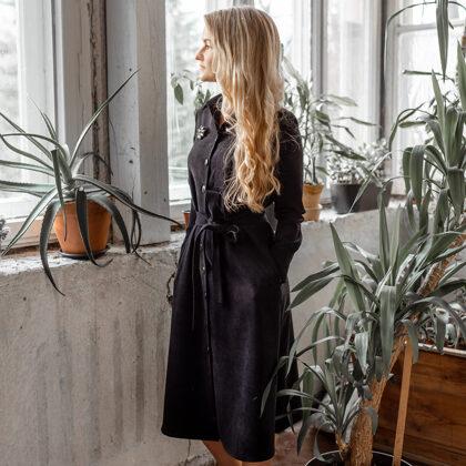 Velveta kleitas kombinācijas